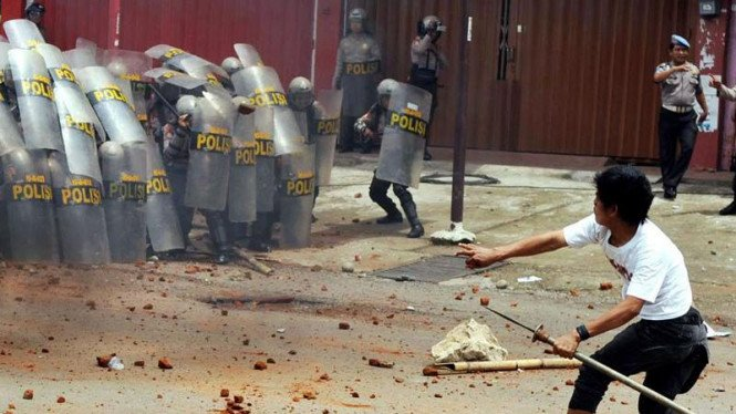 Bentrok Eksekusi Rumah di Makassar