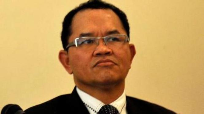 Anggota DPR dari fraksi PAN Laurens Bahang Dama