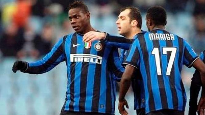 Pemain Inter Milan usai mencetak gol