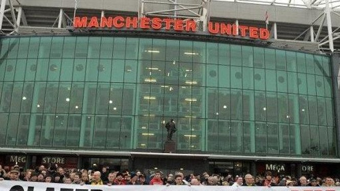 Fans Manchester United di Old Trafford.