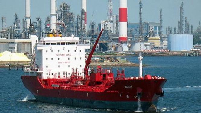 Kapal Tanker Kimia 9.000 DWT