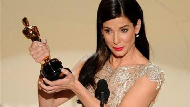 Sandra Bullock - Piala Oscar 2010