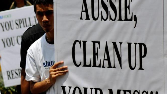 Aksi di Depan Kedubes Australia