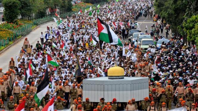 Massa PKS Gelar Aksi Solidaritas Untuk Palestina