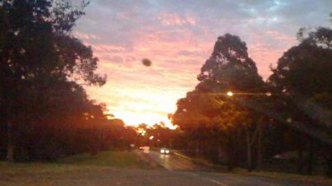 Potret benda diduga UFO di Sydney