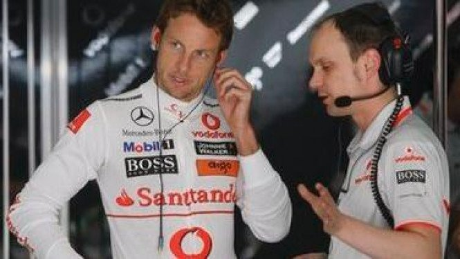 Jenson Button (kiri)