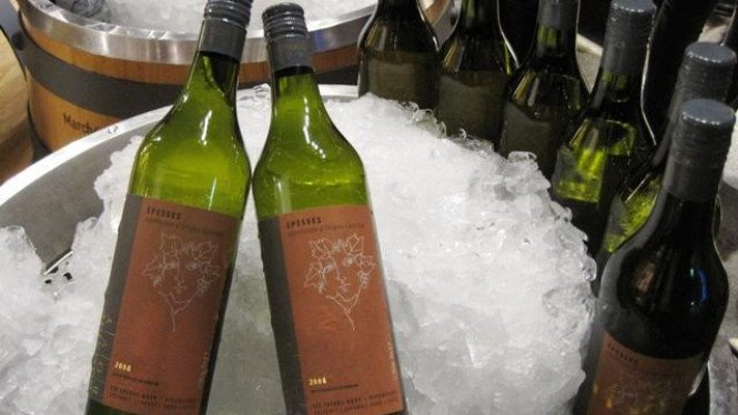 Arak anggur (wine) asal Swiss