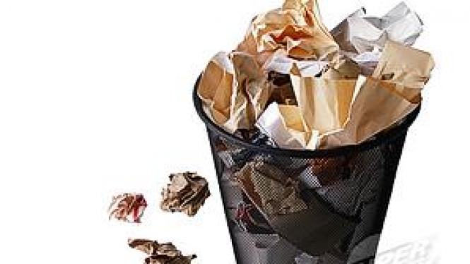 Ilustrasi tempat sampah penuh kertas