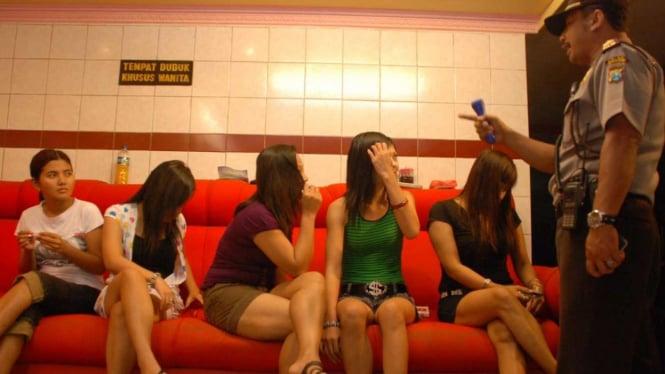 Pekerja Seks Komersial (PSK) Gang Dolly Surabaya