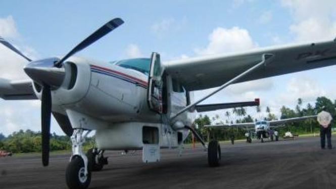 pesawat komersil parkir di Bandara Lasikin, Pulau Simeulue