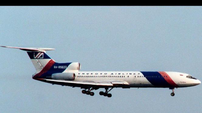 Presiden dan Sejumlah Pejabat Polandia Tewas : Pesawat Tupolev Tu-154