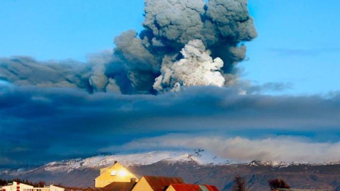 Abu Islandia Membuat Warga Dunia Resah : Letusan Gunung di Eyjafjallajokull