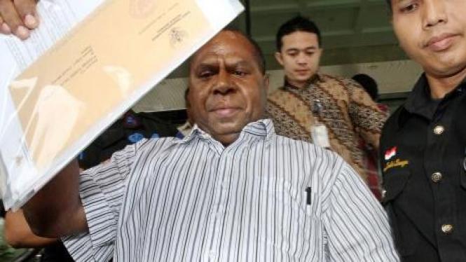 Bupati Boven Digul, Yusak Yaluwo, ditahan KPK
