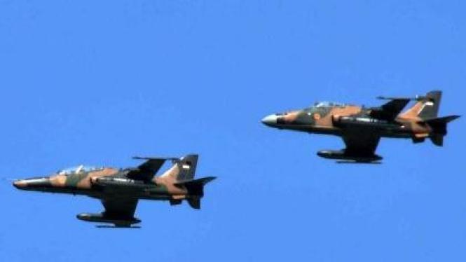 pesawat tempur jenis Hawk 100 dan Hawk 200 milik TNI AU