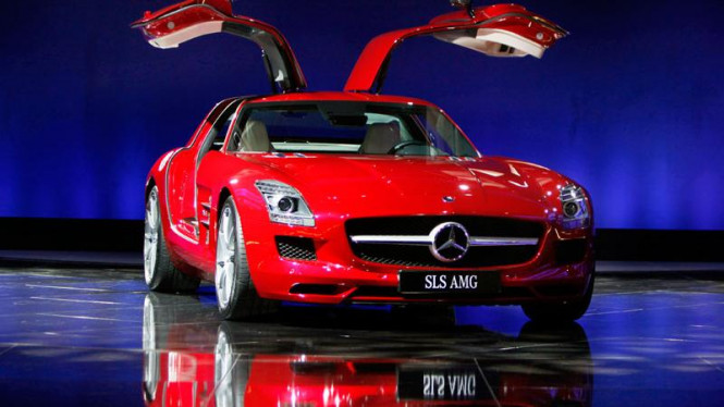 China Auto Show : Mercedes Benz  SLS Sports Car
