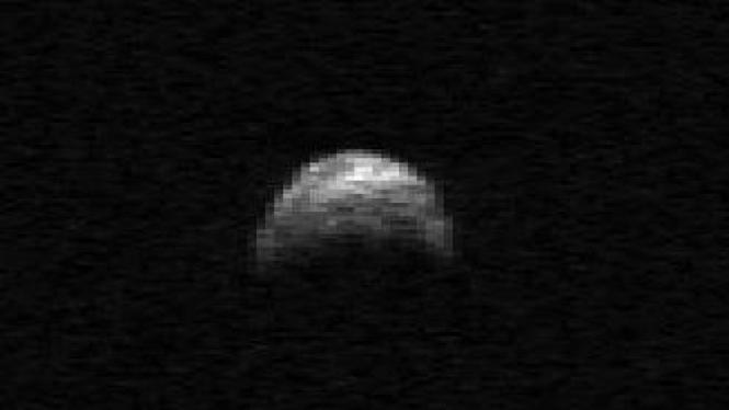 Asteroid 2005 YU55 yang berpotensi mengancam Bumi.