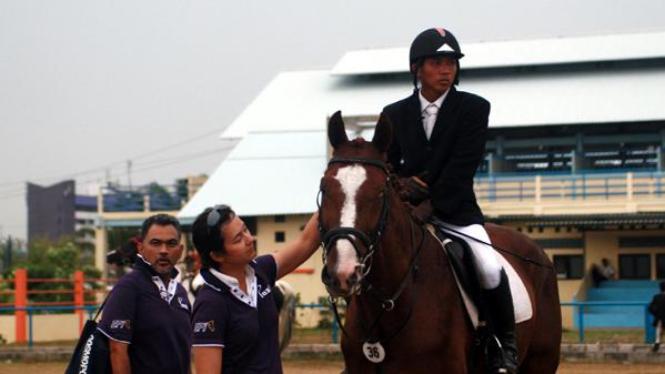 Alvaro Manayang (kanan), Larasati dan Irvan Gading
