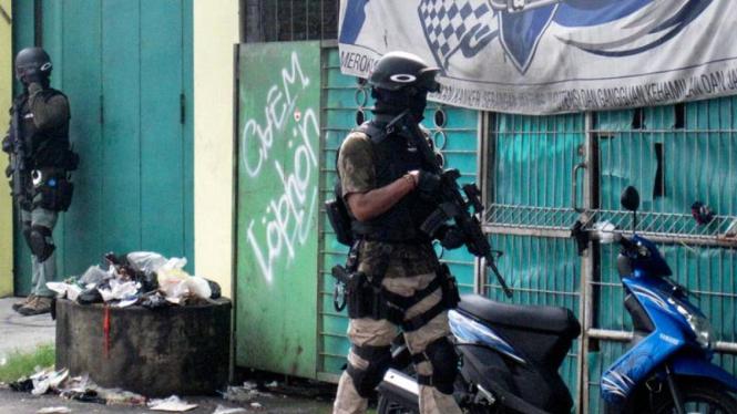 Densus Kepung Rumah Terduga Teroris di Sukoharjo
