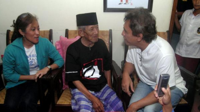 Dua legenda musik Indonesia, Gesang dan Iwan Fals, bertemu