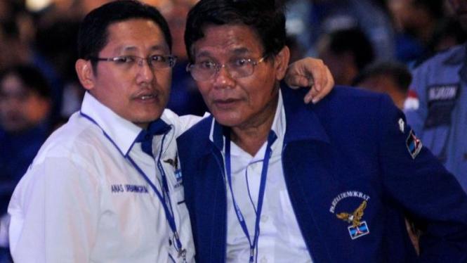 Anas Urbaningrum dan Achmad Mubarok (Demokrat)