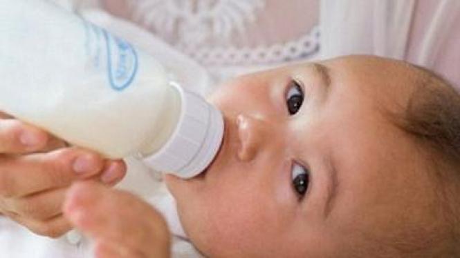 Bayi Minum Susu