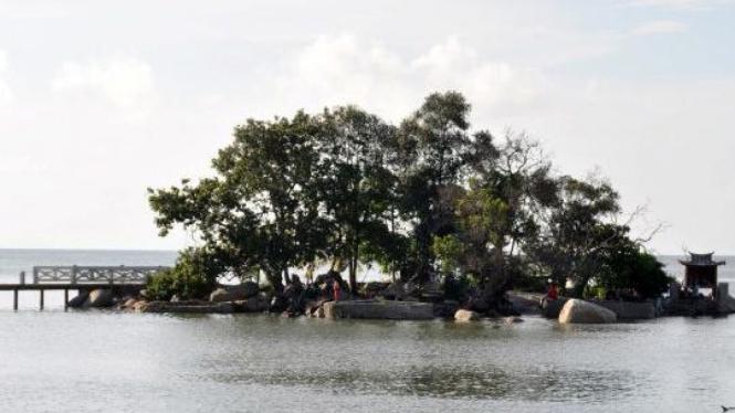 Pulau Simping di perairan Singkawang, Kalimantan Barat