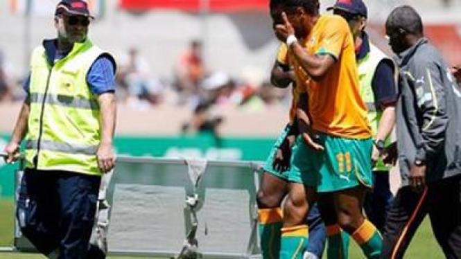 Didier Drogba cedera saat melawan Jepang