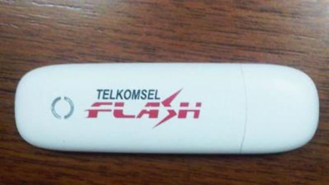 Modem broadband Wellcomm W118G dibundel dengan Telkomsel Flash