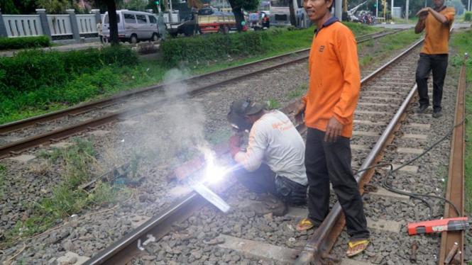 Perawatan Rel Kereta Api