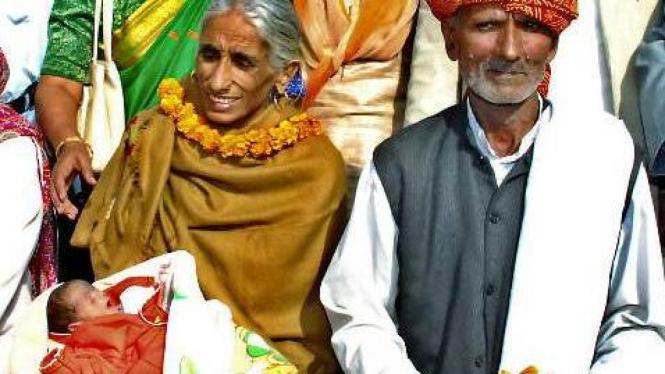 Rajo Devi Lohan, melahirkan anak di usia 70 tahun