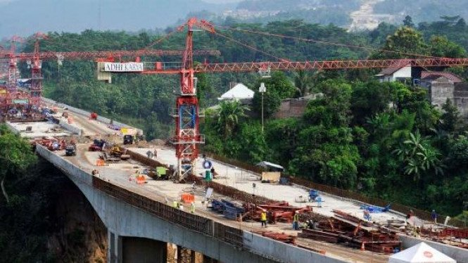 Pembangunan jalan tol Semarang - Solo di Banyumanik, Semarang
