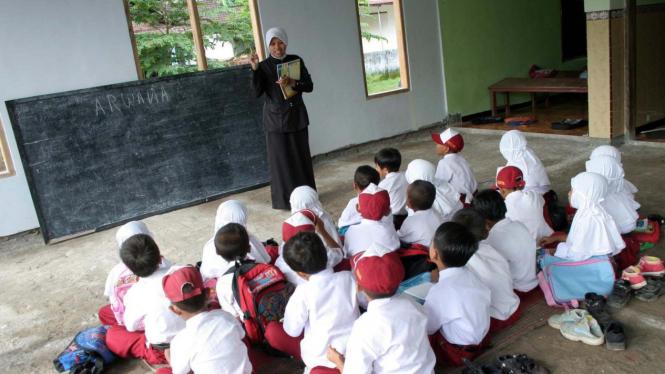 Murid belajar seadanya akibat pembangunan sekolah lambat