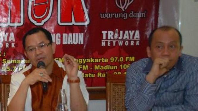 Politisi Demokrat Saan Mustofa (kanan) & Politisi PAN Laurens Bahang Dama