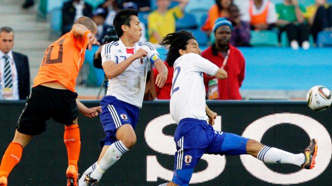 Wesley Sneijder (kiri)