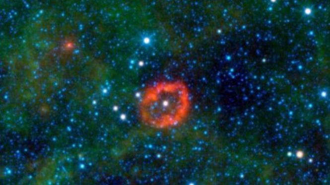 V385 Carinae bentuk bibir tertangkap teleskop NASA
