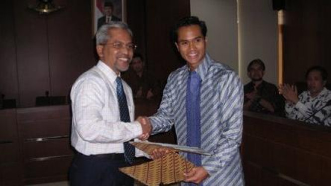 Anindya Bakrie dan Rektor IPB Herry Suhardiyanto