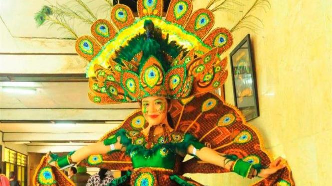 Peserta karnaval batik solo