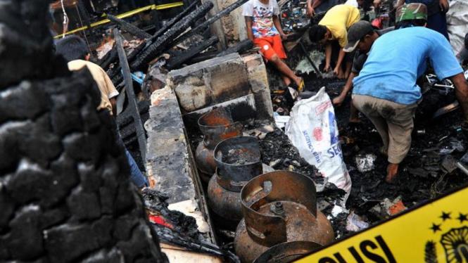Tabung Gas Penyebab Kebakaran di Pasar Poncol, Senen
