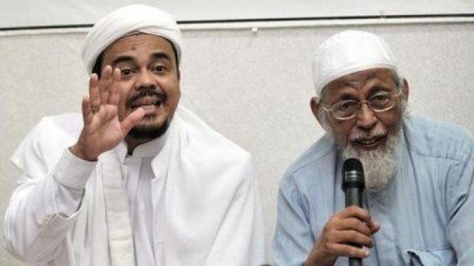 Rizieq Shihab dan Abu Bakar Baasyir (kanan)