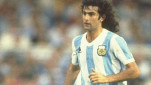 https://thumb.viva.co.id/media/frontend/thumbs3/2010/07/01/92297_mario-kempes_151_85.jpg