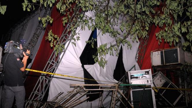 Hujan Deras, Tenda Sirkus di Senayan Roboh