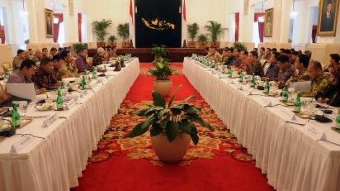 Rapat Konsultasi Presiden dengan DPR di Istana Negara