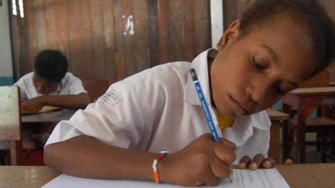 Pendaftaran ulang siswa SMP.