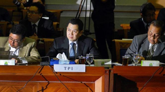 Komisaris TPI, Hari Tanoesoedibjo (tengah) menemui Komisi III DPR RI.