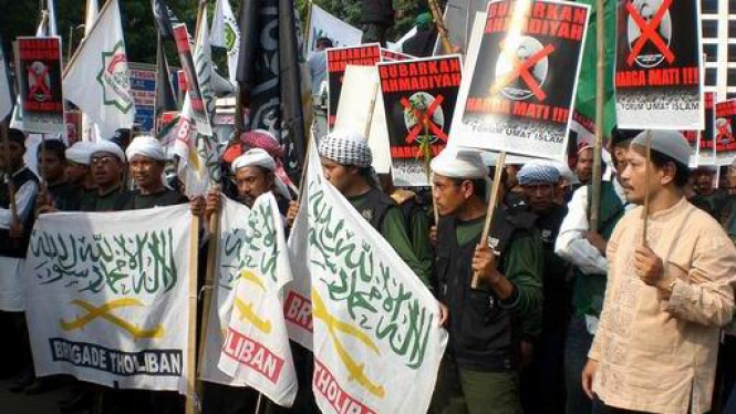 Warga Ahmadiyah Brutal Diserang, Tiga Tewas