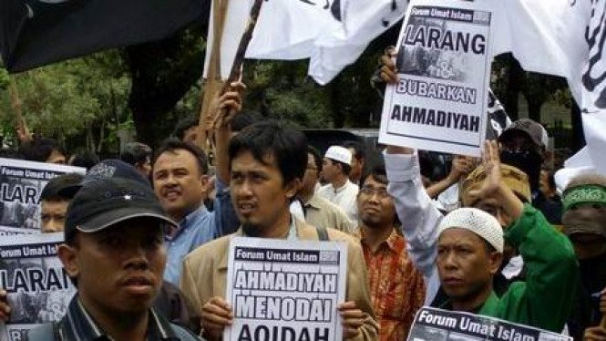 Aksi menuntut pembubaran Ahmadiyah