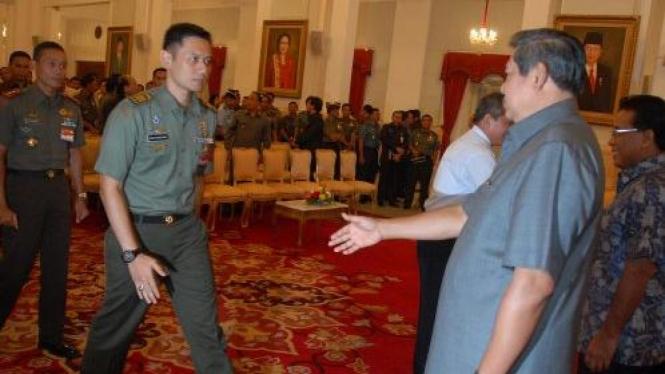 SBY dan putranya, Agus Harimurti Yudhoyono.