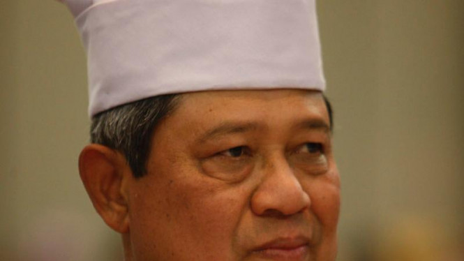 "Presiden SBY menerima gelar adat ""Alam Ma Kokuta""."