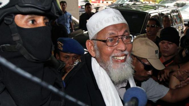Abu Bakar Ba'asyir Dibawa ke Mabes Polri