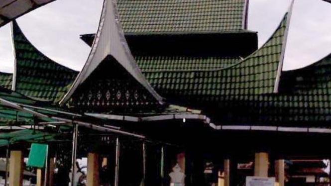 makam Syekh Burhanuddin di Ulakan Tapakis, Padang